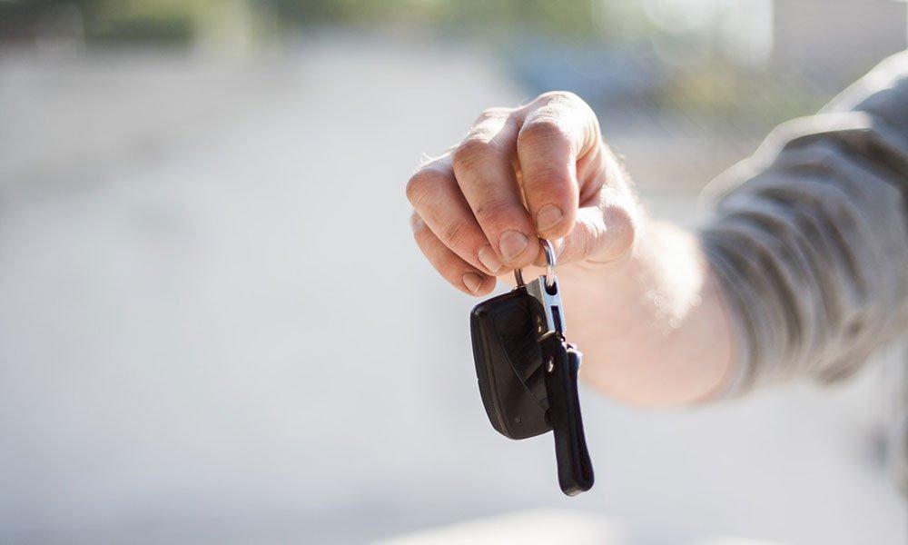 Assicurazione auto: in un anno prezzi su del 40%